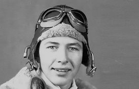 Carroll Shelby First Lieutenant 1942.jpg