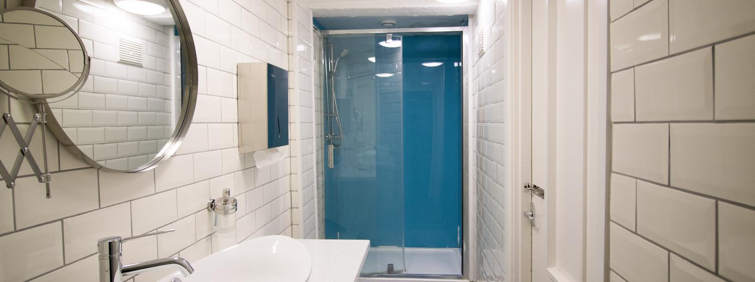 3rd fl Single Bathroom.jpg