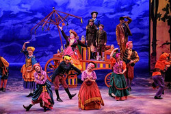 ensemble in Mary Poppins