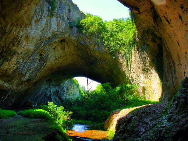 деветашка пещера.jpg