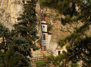 BG_Basarbovo_rock_monastery_12.jpg