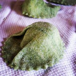 Oggi tortelli agli spinaci ripieni di ri