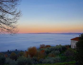 #nebbia in #valle. L'effetto e' quello d
