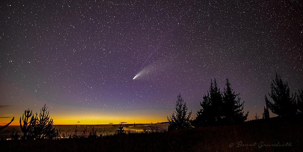 Comet%20Neowise%20by%20Bernt_edited.jpg