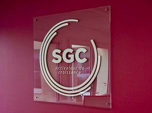 Plexiglas_SGC_Enseigne Communication une