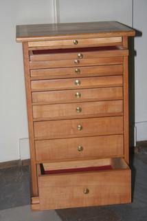 Uhrmacher Möbel