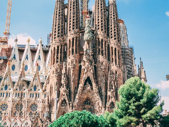 BARCELONA: AN ODE TO OUR CAPITAL OF CREATIVITY