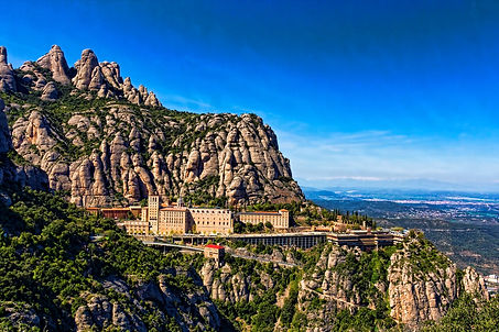 BARCELONA AND MONTSERRAT WITH PICK UP FROM PORT OR HOTEL