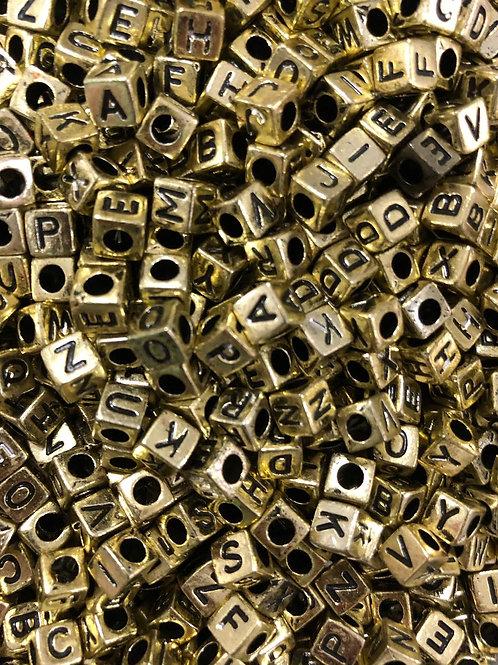 Letra Quadrada Dourada -  014521