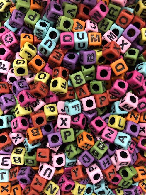 Letra Quadrada Colorida - Preta  014519