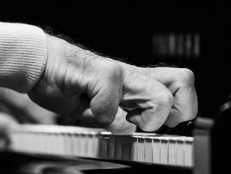 After Disease Forced Acclaimed Pianist to Stop Playing, a Designer Made Him Gloves That Brought Them
