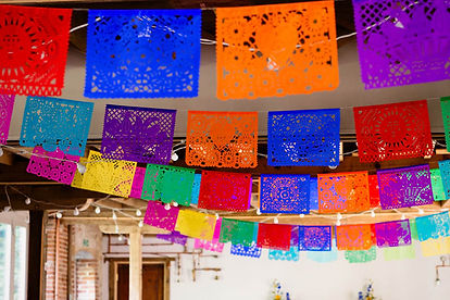 MEXICAN-INSPIRED-WEDDING-WITH-DIY-PAPEL-