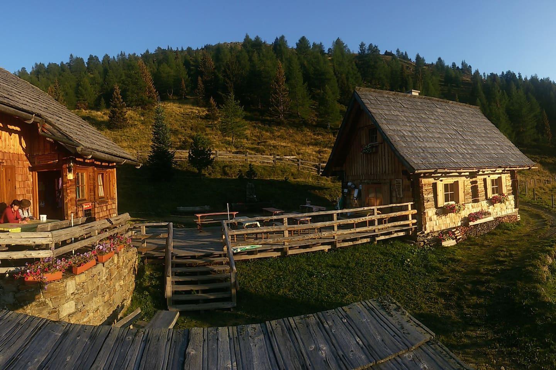 Hütte001.jpg