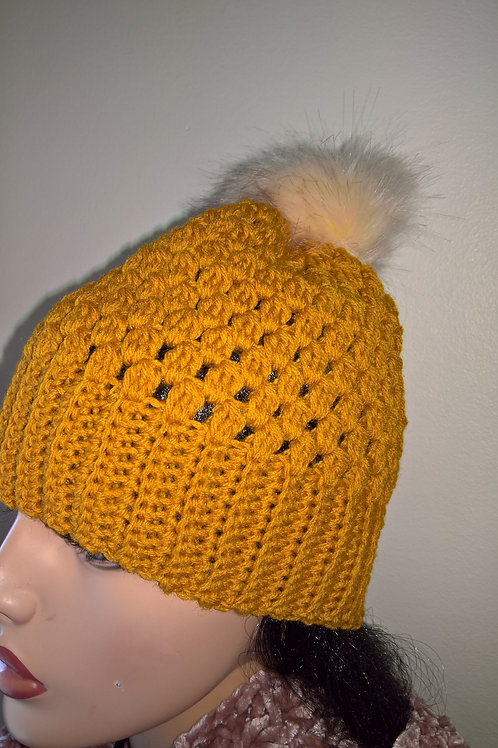 Cluster hat with pompom