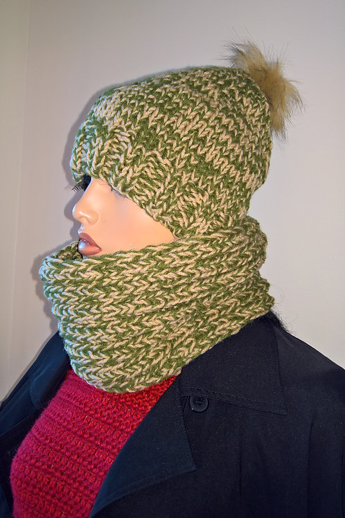 Knitted Hat & Cowl set