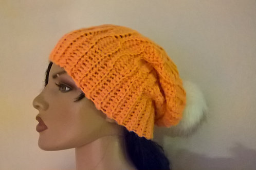 Honey comb slouch hat with pompom