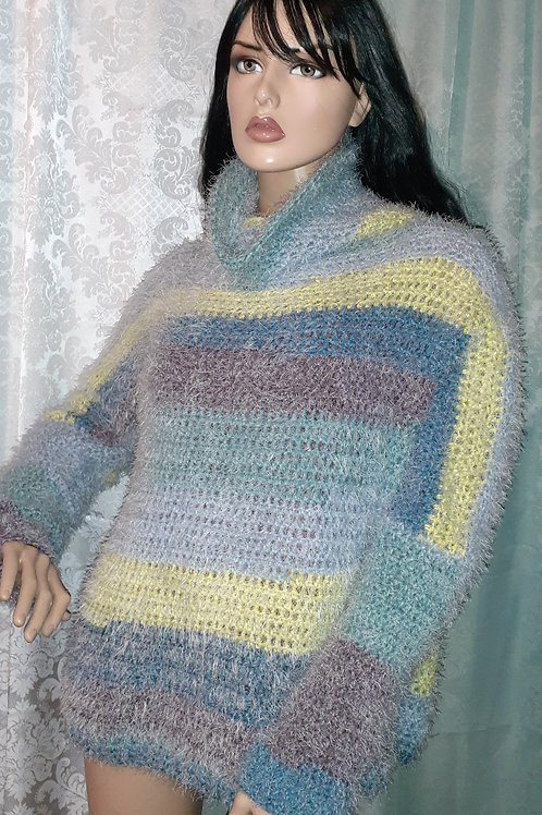 Cowl neck sweater with long sleeves