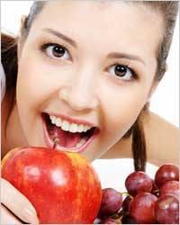 TOP 10 продуктов для красивых зубов