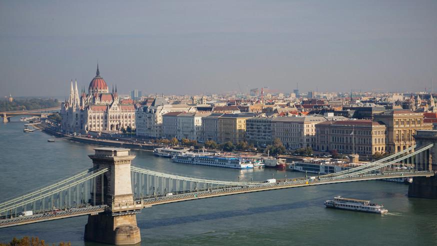 Budapestpostcard2_edited.jpg