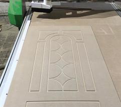 Фрезировка накладки на металические двер