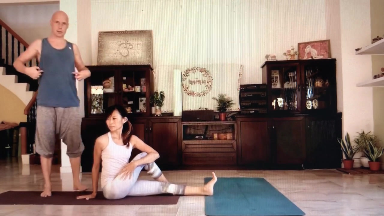 beginners yoga series.MP4