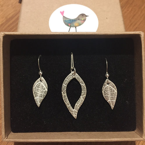 Solid Silver Leaf Print Necklace and Earrrings set