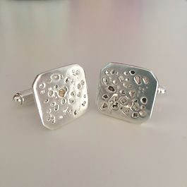 Loved one's ashes in cufflnks