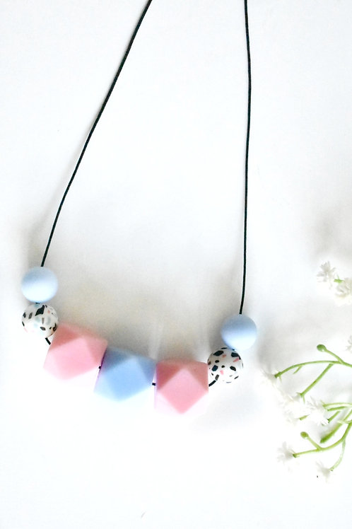 Joy - Teething nursing necklace
