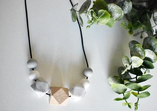 Luna - Teething nursing necklace