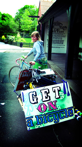 Signpainting on public display on rides to gigs