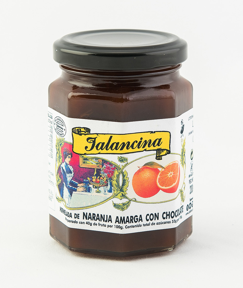 Mermelada gourmet artesanal de naranja amarga con chocolate puro.  Tarro de cristal de 220 g.