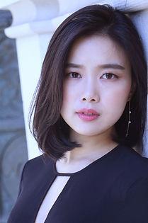 Yoonjeong Yoo headshot.JPG
