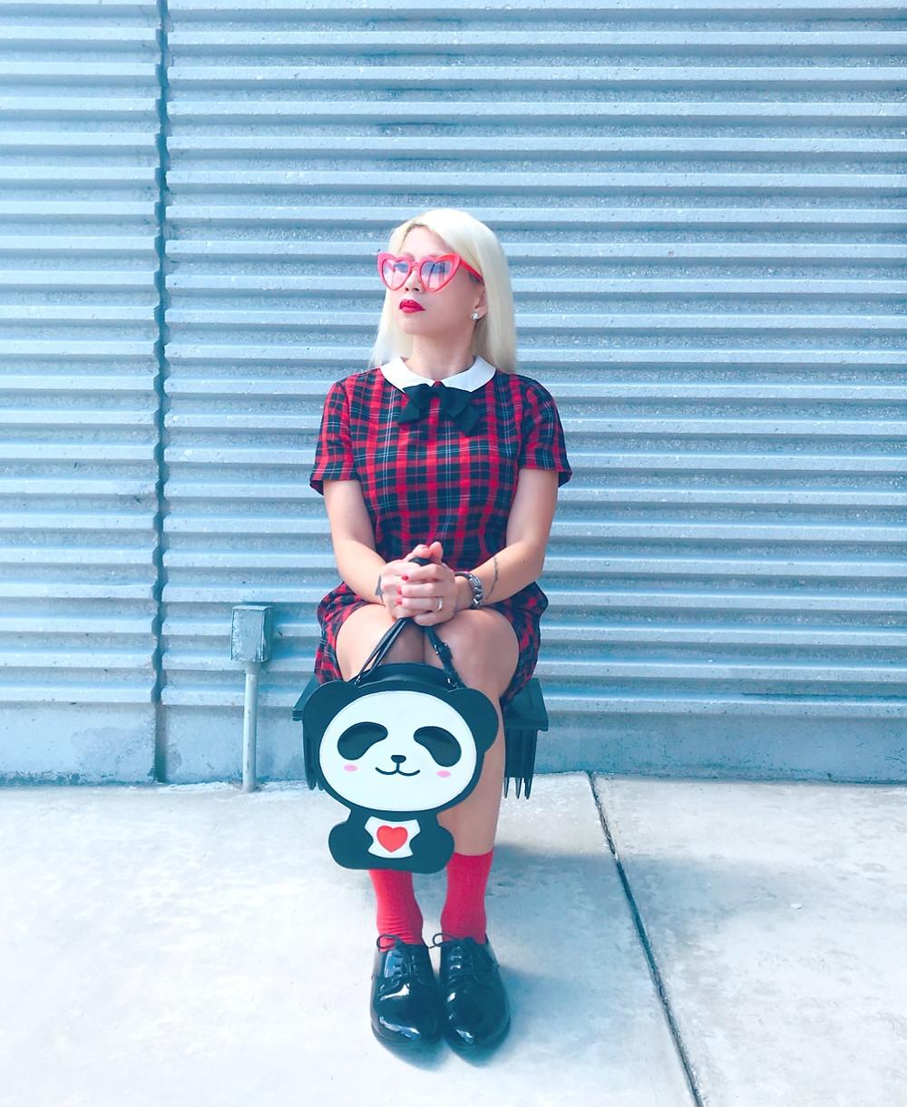 Bonjour! I am The Parisian Panda.
