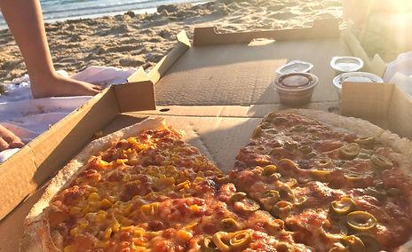 פיצה בים.jpg