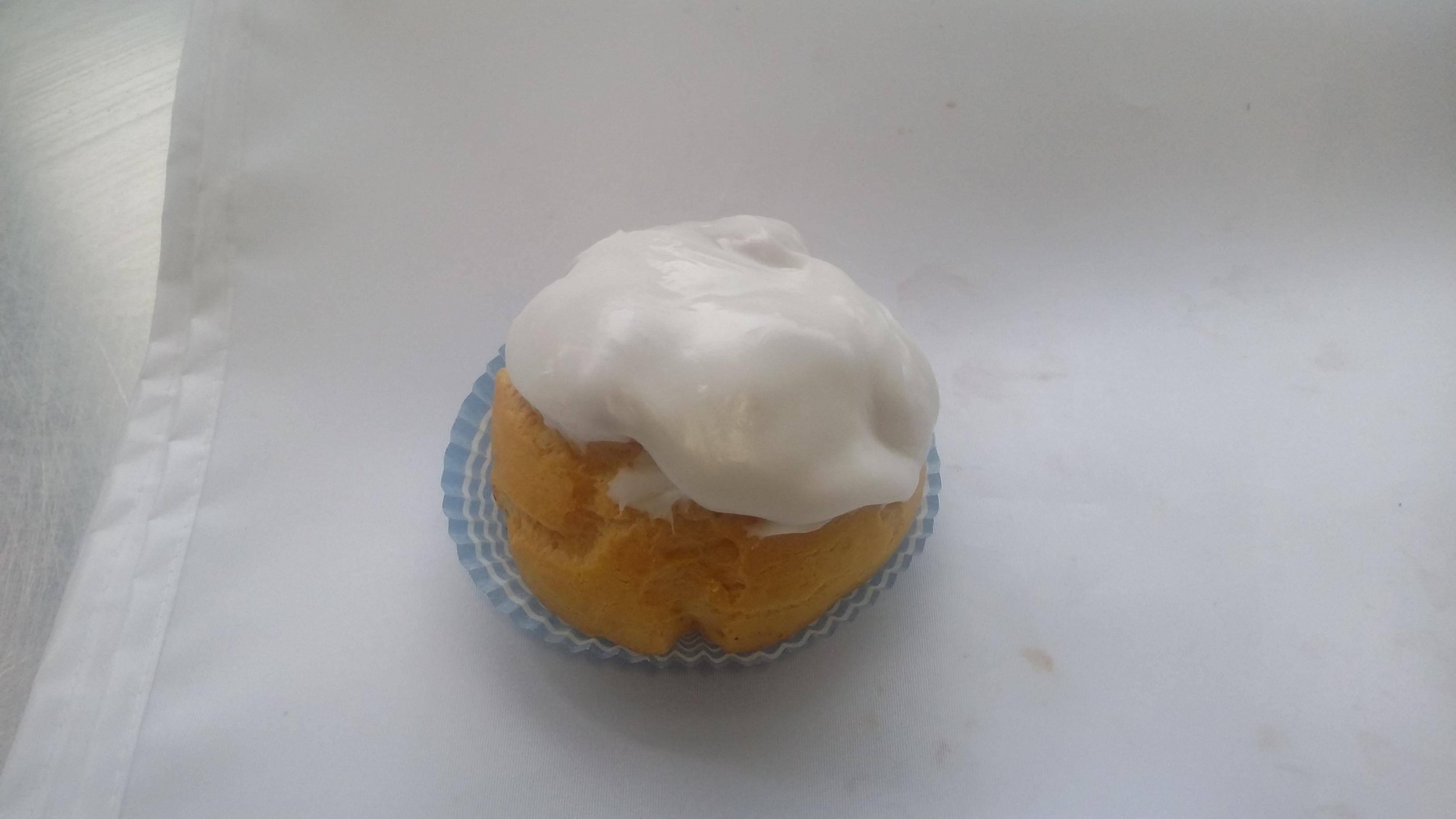 Bignè grande alla crema