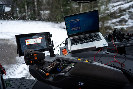 Elisa_5G_Traktori-16.jpg