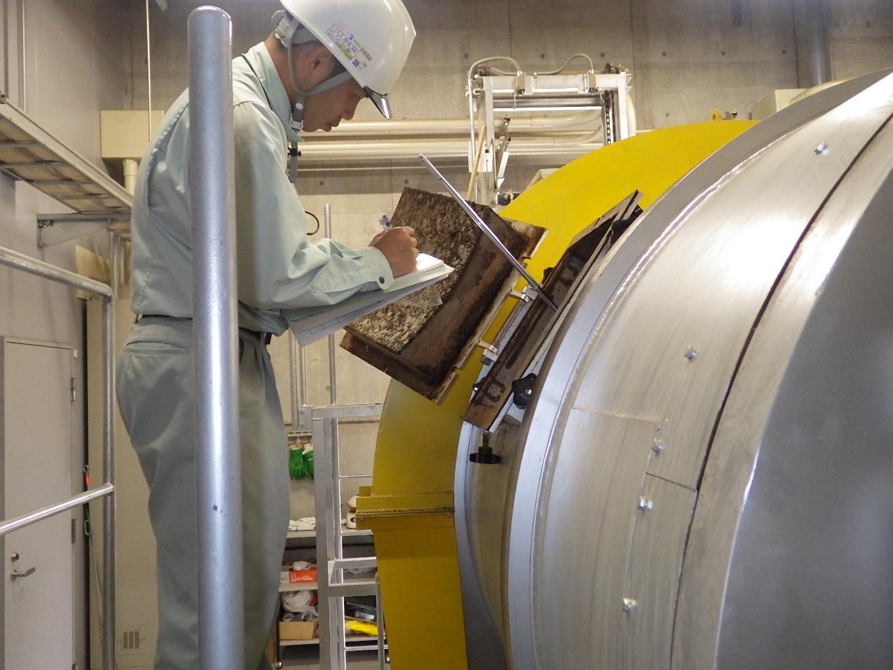 発酵装置内部の温度を測定します。