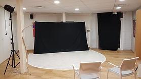 Studio_photo_ou_théâtre.jpg