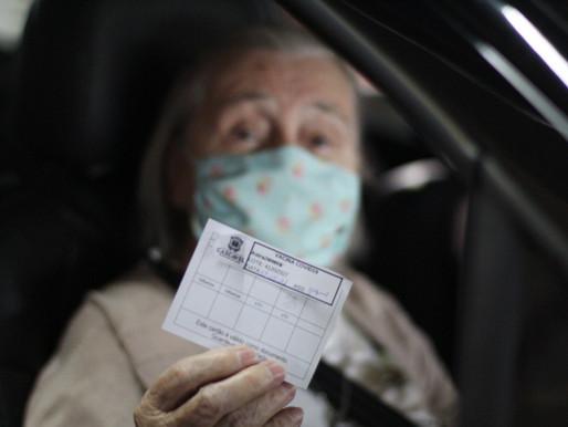 Cascavel começa a vacinar idosos com 80 anos