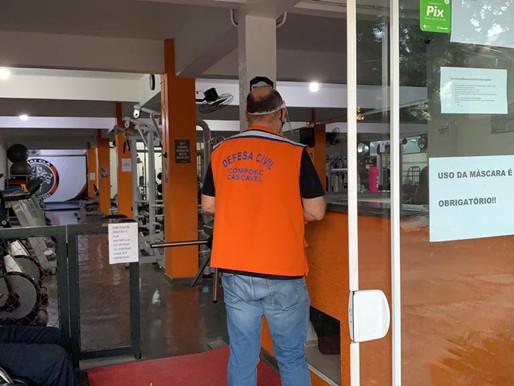 Fiscalização de regras contra covid passa por academias e distribuidoras
