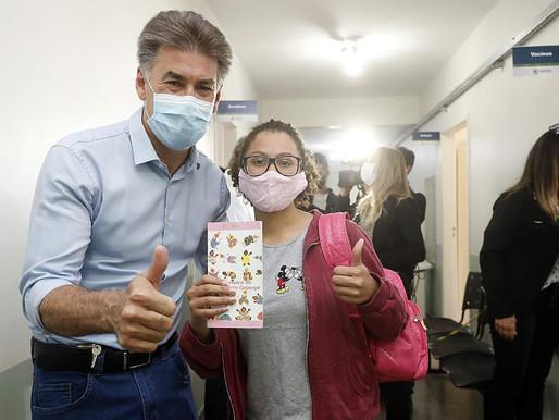 Dia histórico, diz Paranhos sobre a vacinação de jovens de 18 anos