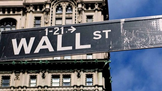S&P 500 y Dow Jones al alza ante testimonios de Powell
