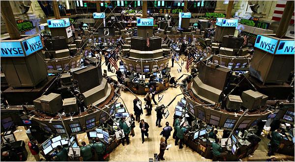 Wall Street se mantiene en descenso