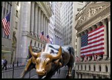 Leve avance en Nasdaq y S&P 500 ante incertidumbres políticas