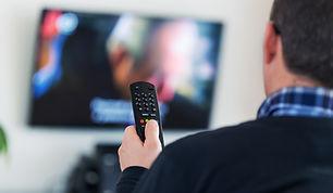 viendo TV