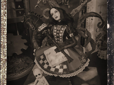 Latest Sculpture: American Mcgee's Alice Madness Returns Alice Liddell Art Doll