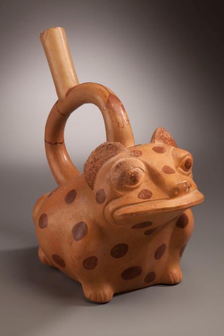 Vase à anse en étrier représentant un animal hybride crapaud-félin