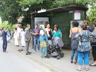 Une marche pour le bus
