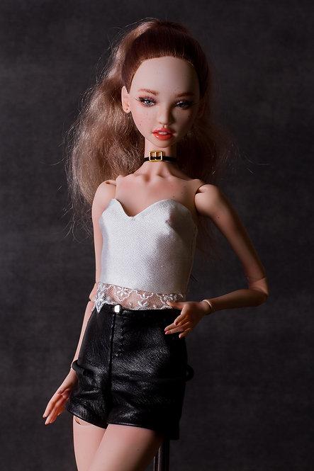 Dark Blond for Julietta with ponytail