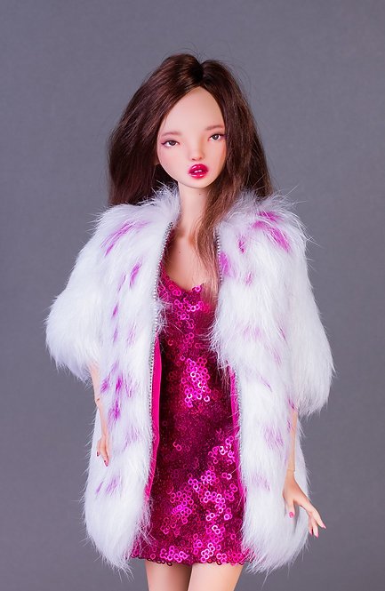 Fur coat with pink points